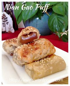 Nian Gao Puff (酥脆烘年糕)    #guaishushu #kenneth_goh  #niangao_puff   #酥脆烘年糕 Asian Snacks, Asian Desserts, Asian Recipes, Chinese Desserts, Chinese Food, Chinese Recipes, Baking Recipes, Dessert Recipes, Yummy Recipes