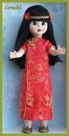 Vengo a enseñaros un trabajo que ha hecho Conchi con muchailusión. Ella se compró una geisha paraconvertirlaen china,le ha puesto pelo,le...