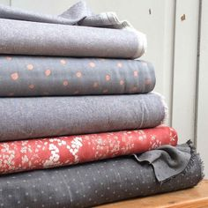 Also new in this week we've more fabulous fabrics from Robert Kaufman including new Essex Linens and a Double Gauze Chambray Dobby in Black, shown here with some of our delicious nani IRO fabrics.... the perfect fabric Friday fix... . . #fabriclove #fabric #robertkaufman #robertkaufmanfabrics #sew #sewing #isew #sewcialists #sewersofinstagram #diyfashion #handmadewardrobe #forthemodernmaker #thedrapersdaughter