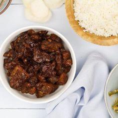 NIEUW! Babi smoor Dit heerlijke Indische gestoofde varkensvlees maak je Cooking For Two, Meals For Two, Rumchata Recipes, A Food, Good Food, Panini Recipes, Tortellini Recipes, Asian Recipes, Ethnic Recipes