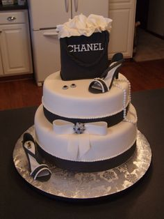 http://cakecentral.com/g/i/3023351/fondant-covered-with-fondant-and-gum-paste-details/