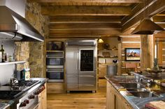 A Luxurious Log Home in Montana is on the Market | Kitchen