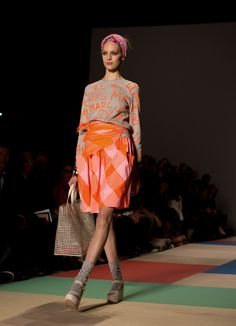 Loving Marc Jacobs mix of grey, orange and pink!