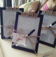 This cute framed pray list can be used over and over again. A place to keep your prayer requests, also makes a good gift for baptisms. Diy Cadeau Noel, Craft Projects, Projects To Try, Navidad Diy, Gifts For Teens, Teen Gifts, Diy Gifts For Kids, Diy Gifts For Teachers, Easy Teacher Gifts