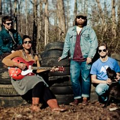 Listen to music from Alabama Shakes like Don't Wanna Fight, Hold On & more. Find the latest tracks, albums, and images from Alabama Shakes. Lollapalooza, Mumford And Sons, Alabama, Good Music, My Music, Band Photography, Rock News, Music Express, Film Books