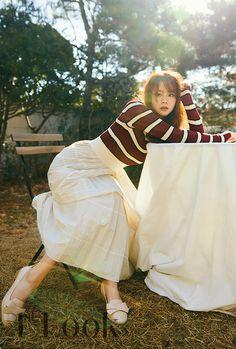 Han Seungyeon/한승연/韓勝妍/スンヨン Han Seung Yeon, Look Magazine, Korean Girl Groups, Asian Woman, Kpop Girls, Asian Beauty, Korean Fashion, Women's Fashion, Singer
