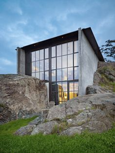 Olson Kundig Architects -The Pierre, a residential project by Tom Kundig in the San Juan Islands,Washington Architecture Résidentielle, Amazing Architecture, Vernacular Architecture, Classical Architecture, Photo D'architecture, Living Haus, House On The Rock, San Juan Islands, Stone Houses