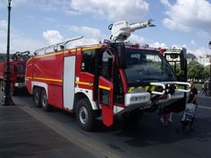 Air Force Military Fire Trucks | Fire Engines Photos - New french air force fire truck.