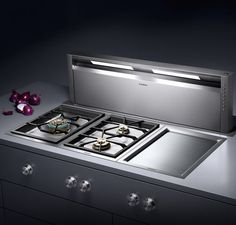 Gaggenau AL 400 telescopic table ventilation, completely retractable when not in use, with dimmable LED light for illumination of the whole cooktop Kitchen Stove, Kitchen Pantry, New Kitchen, Kitchen Appliances, Kitchen Modern, Kitchen Interior, Kitchen Decor, Piece A Vivre, Space Saving Furniture