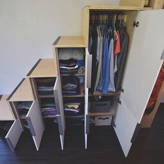 Downsizing can be tough. Here is a creative way to add clothing storage under yo Tiny House On Wheels Add clothing Creative Downsizing Storage tough Tiny House Stairs, Loft Stairs, Tiny House Living, Tiny House Plans, Under Stairs, Tiny House On Wheels, Tiny House Closet, Tiny House Bedroom, Tiny House With Loft