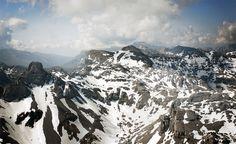 Mesa de los Tres Reyes, en los Pirineos y el Macizo de Larra. #Navarra (By @NationalImages / Twitter)