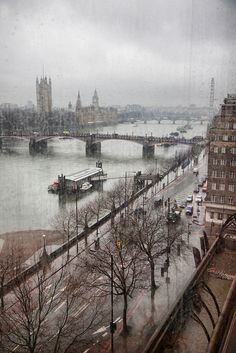 #London in the rain
