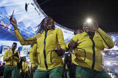 Equipe Jamaica estavam em alto astral durante a cerimônia de abertura - apesar de seu atle...