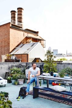 Warehouse living: cool Melbourne style. Photography by Derek Swalwell. Styling by Rachel Vigor.