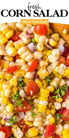 A Fresh Corn Salad is perfect for summer. It's a simple salad, full of fresh corn, tomatoes, onions and parsley with a flavorful and tangy dressing. Corn Salad Recipe Easy, Tomato Salad Recipes, Easy Salad Recipes, Easy Salads, Side Recipes, Healthy Recipes, Fresh Corn Salad, Summer Corn Salad, Corn Salads