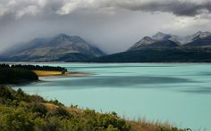 Lake Pukaki. New Zealand. It really is this blue, and even more. #Hobbit #Middle-earth
