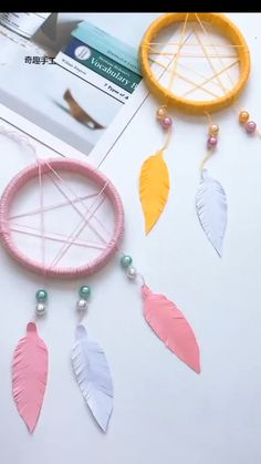 Diy Room Decor Videos, Diy Crafts For Home Decor, Diy Crafts Hacks, Diy Crafts For Gifts, Creative Crafts, Dream Catcher Decor, Diy Dream Catcher For Kids, Cool Paper Crafts, Diy Paper