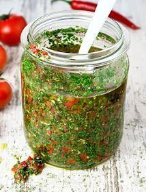 This Argentinian chimichurri with lots of fresh herbs, garlic, peppers and tomatoes tastes wonderful with grilled meats! Chimichurri is een typisch Argentijnse salsa die perfect smaakt bij gegrild vlees, vis en garnalen! Tapenade, Argentinian Chimichurri, Herb Butter, Homemade Sauce, Grilled Meat, Mets, Sauces, Fresh Herbs, Food Inspiration
