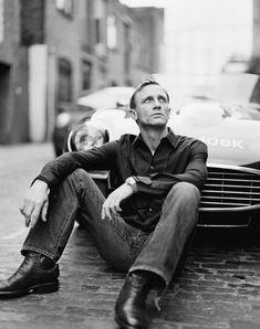 vogueandcoffee:    ldnfashion:    James Bond aka Daniel Craig    My favorite Bond