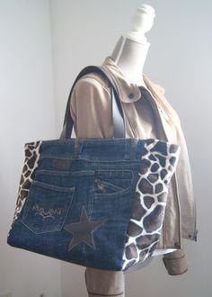 Sac cabas en jean recyclé et tissu imitation fourrure