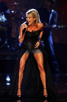 Carrie Underwood's legs are phenomenal.  Think she works out? Uh... yup.  [The Calabasas Personal Trainer]  http://carterfitness.com