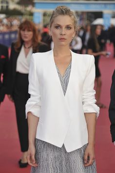 Clemence Poesy Photos Photos: 'Sin City : A Dame To Kill For' Premiere - Deauville American Film Festival Daniel Radcliffe, Clemence Poesie, Female Actresses, How To Look Classy, French Fashion, Gossip Girl, Paris Fashion, Parisian, Celebrity Style