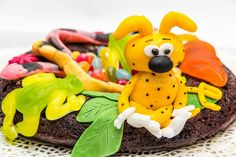 L'Accro au sucre a un blog: Le gâteau Marsupilami pour le goûter d'anniversair...