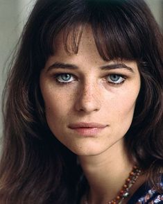 Celebrity moms 16888567333197183 - Charlotte Rampling / Terry O'Neill Source by webginiemaster Charlotte Rampling, Classic Beauty, Timeless Beauty, Beautiful Eyes, Beautiful People, Cool Girl Style, Sexy Women, Actrices Hollywood, British Actresses
