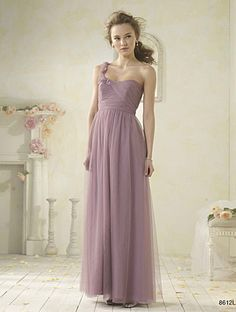 planning an elopement? another bridesmaid dress added to my board for alternative wedding dresses. love this romantic lavender shade!