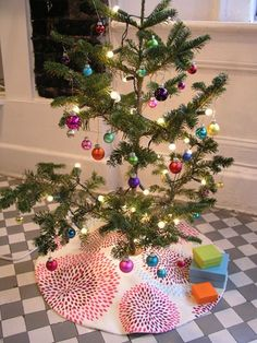 #DIY Christmas tree skirt