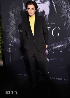 Timothée Chalamet Suave In Givenchy For Netflix's 'The King' New York Premiere - Red Carpet Fashion Awards Catherine Of Valois, Smart Set, Best Dressed Man, Lily Rose Depp, Yellow Cream, Old Actress, Celebrity Look, Red Carpet Fashion, Cool Girl