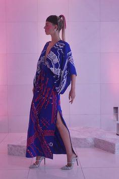 Zandra Rhodes Ready To Wear Spring Summer 2019 London Fashion News, Runway Fashion, Fashion Show, Zandra Rhodes, Hand Flowers, Got The Look, Live Fashion, Summer Wardrobe, Ready To Wear