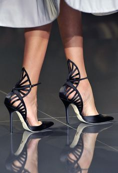 Ralph & Russo Fan cut out heels