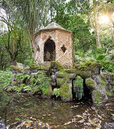 Pelos jardins do Parque Lage - Ilha - Lago - Quiosque - Rio de Janeiro - Brasil