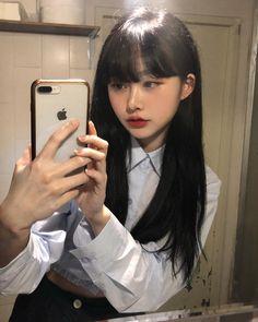 Ulzzang Korean Girl, Cute Korean Girl, Asian Girl, Human Photography, Cute Photography, American Makeup, Uzzlang Girl, Aesthetic People, Posing Guide