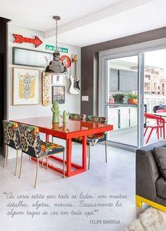 mesa-vermelha-decoração-colorida