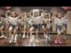 "Zumba Kids with Yana - ""Gangnam Style"" Zumba Fitness, Dance Fitness, Workout Fitness, Zumba Kids, Musica Disco, Jean Piaget, Dance Tips, Kid Movies, Little Girl Hairstyles"