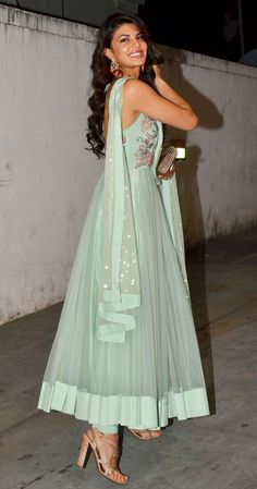 Take A Look at top bollywood fashion style - the fashion and passion of bollywood is the pride of newindia. Click visit link above to find out more - Bollywood Fashion Indian Gowns, Indian Attire, Indian Wear, Indian Suits Punjabi, Jacqueline Fernandez, Pakistani Outfits, Indian Outfits, Indian Designer Outfits, Designer Dresses