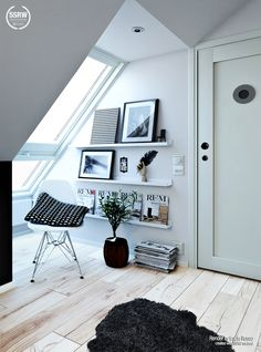Stylish Black & White Room / Lucia Russo with 5SRW
