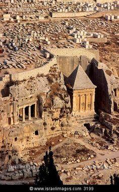 Israel, Rock cut tomb of the sons of Hazir at Kidron (Hinnom) Valley in Jerusalem. East Jerusalem, Jerusalem Travel, Places Around The World, Around The Worlds, Terra Santa, Naher Osten, Visit Israel, Israel Palestine, Israel Travel