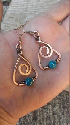 Wire wrapped earrings 626211523169981809 - Copper wire earrings with Turquoise beadsWire earringsCopper Source by Bijoux Wire Wrap, Wire Wrapped Earrings, Copper Earrings, Copper Jewelry, Beaded Earrings, Earrings Handmade, Beaded Jewelry, Handmade Jewellery, Jewlery