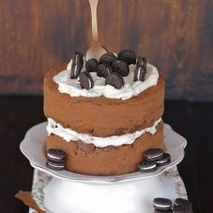 Chocolate cake with cream cheese and Oreos (in Spanish)