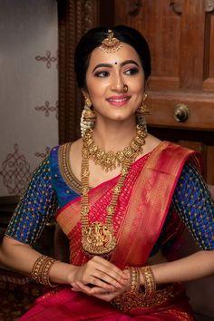 Bridal Sarees South Indian, Bridal Silk Saree, Indian Bridal Outfits, Bridal Dresses, Wedding Saree Blouse Designs, Blouse Designs Silk, Hand Work Blouse Design, Stylish Blouse Design, Bridal Photoshoot