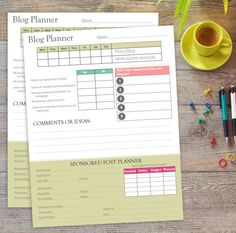 Blog weekly Planner with Sponsored Planner by KaufmanArt on Etsy