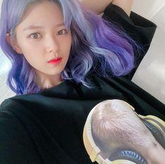 Hair update again! Nayeon, Kpop Girl Groups, Korean Girl Groups, Kpop Girls, Extended Play, K Pop, My Girl, Cool Girl, Love Of My Live
