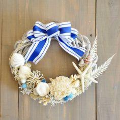 【楽天市場】大海原に憧れて♪Croisire☆青と白のシェルリース【楽ギフ_包装】 【楽ギフ_のし宛書】 【楽ギフ_メッセ入力】:Coppe Craft Workshop