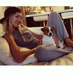 Candice Swanepoel models with dogs Kj Apa Riverdale, Rain Go Away, Victoria's Secret, Going To Rain, Erin Heatherton, African Models, Vs Angels, Victoria Secret Angels, Fotografia