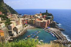 Spectacular views of Vernazza fishing village from the Sentiero Azzuro path