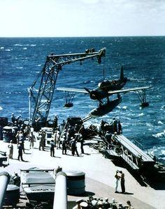 La Segunda Guerra Mundial • Vought OS2U Kingfisher [Hidroavion de Recocimiento]