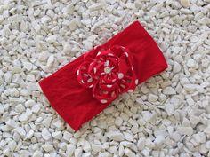 faixa de meia de seda com aplicação de flor de fuxico e estrass R$ 16,90